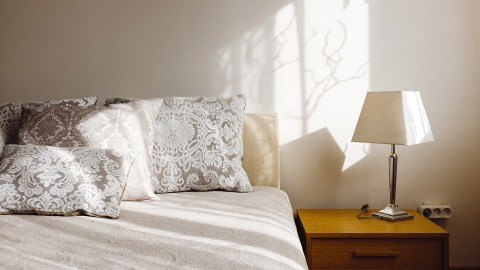 An acheivable new year's resolution for people with ADHD is to make the bed every day.