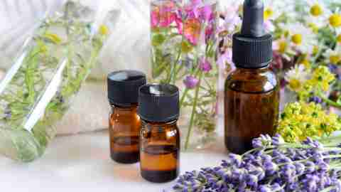 Bottles of essential oils, a good tool to study with ADHD