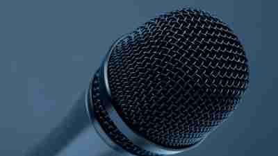 Motivational speaker Daryl Wizelman's mic