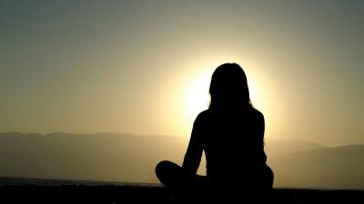 Lena Dunham on Meditating