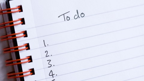 A to-do list spells out how to get things done in five steps.