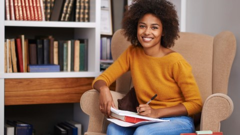 Teen girl studying over summer to prevent learning loss
