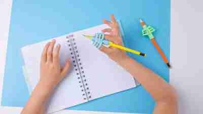 dysgraphia treatment - ergonomic training pencil holder, preschooler handwriting, kids learning how to hold a pencil