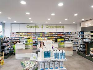 Aménagement d'une pharmacie par Adeco Breizh à Kervadec