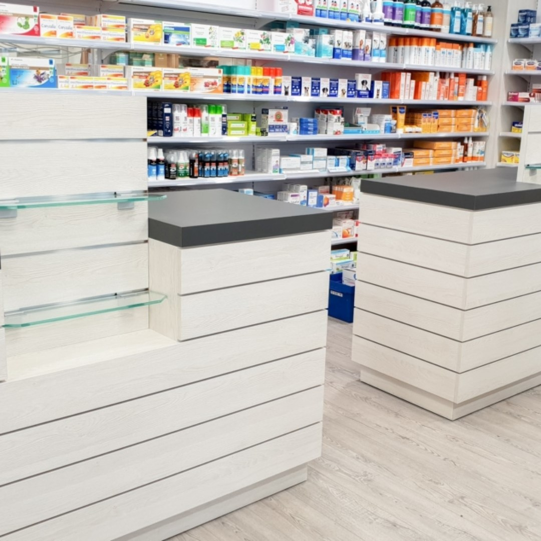Pharmacie-Vannes-un-agencement-Adeco-Breizh-01