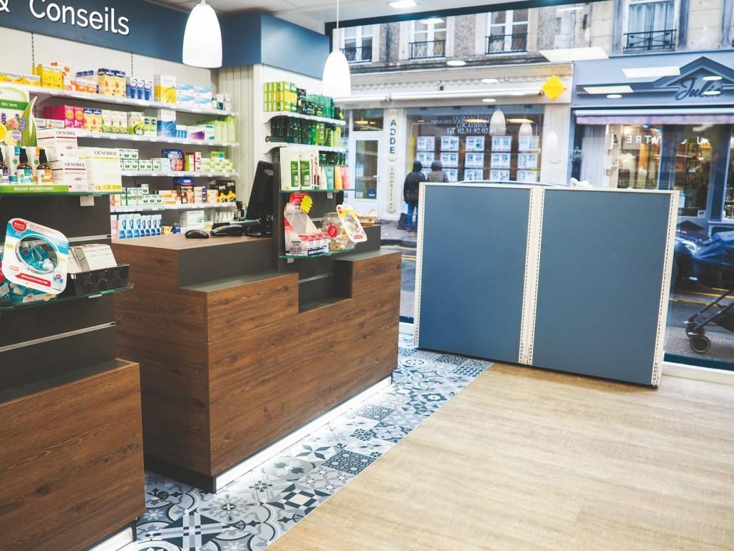 Agencement d'une pharmacie par Adeco Breizh à Bayeux