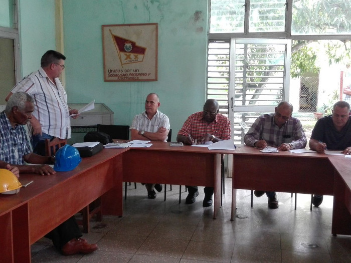Insta Salvador Valdés a intensificar producción de alimentos