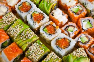 Sushi elaborado con falso arroz Slim Pasta