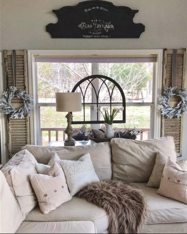 Deborah's home Hip and Humble Style Neutral Winter Decor