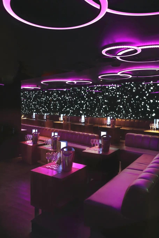 LuxuryNightclubLondon01  Adelto Adelto