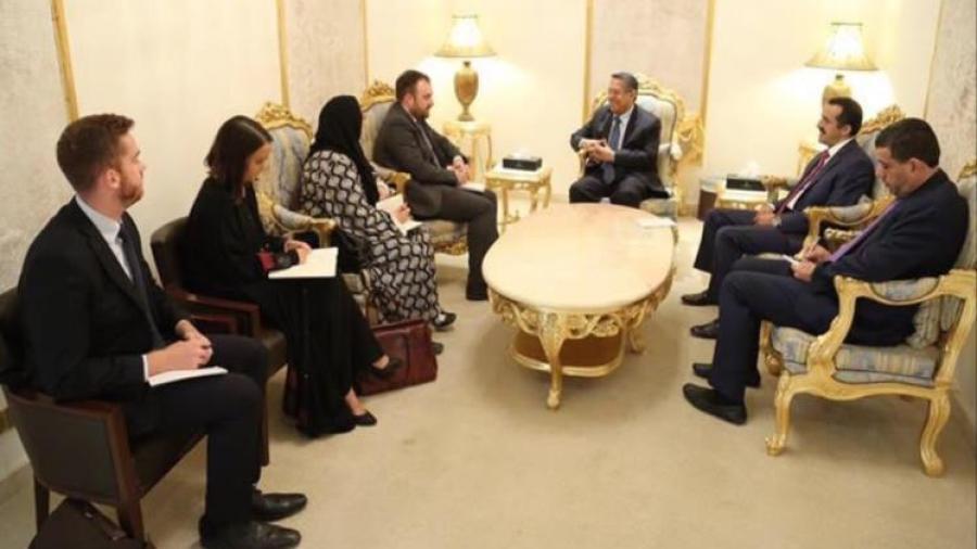 رئيس الوزراء يؤكد امتلاك الحكومة اليمنية لادلة واثباتات كافية لتورط إيران في دعم الحوثيين بأسلحة خطيرة