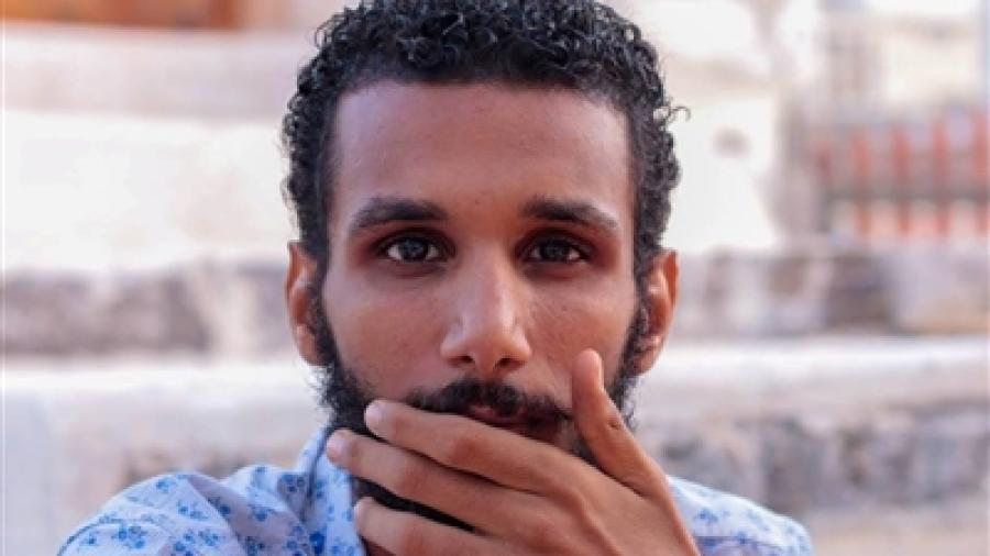 قوات الحزام الامني بعدن تمنع اسرة امجد عبدالرحمن الصلاة عليه في منزله