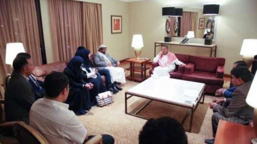رئيس الوزراء يثنى على دور الإعلاميين في مواجهات التحديات والمخاطر التي تواجه الوطن