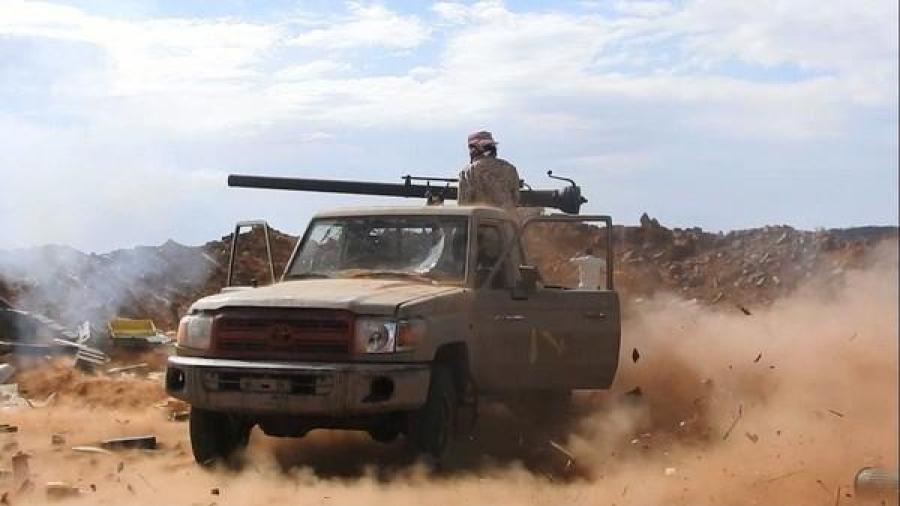 أدى الى مصرع القائد.. قوات الجيش تستهدف فرق زراعة الألغام التابع للمليشيا في تعز