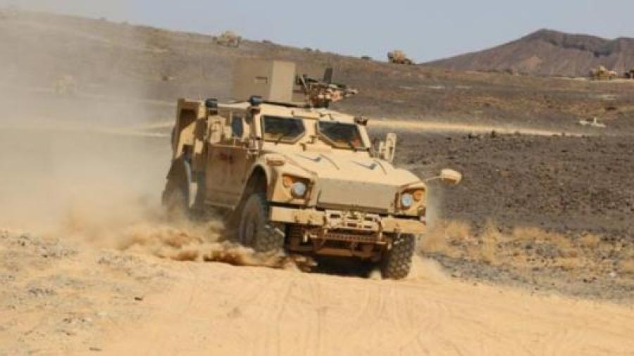 قوات الجيش تدمر وتغتنم عربات حوثية على متنها أسلحة وذخائر ومصرع عدد من عناصر المليشيات