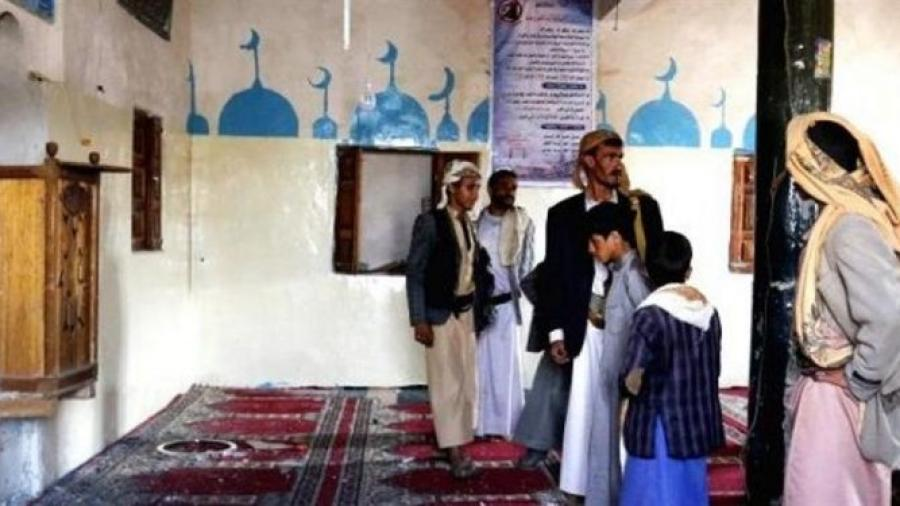 """Houthis appointed """"mentally-deranged"""" person as a preacher in a mosque"""