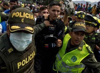 Un policía venezolano, tras pasar a Colombia el pasado 23 de febrero. benjamin rojas getty images