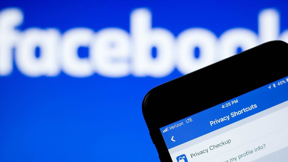 Facebook exec says ad-based businesses are 'under assault' by Apple's privacy changes