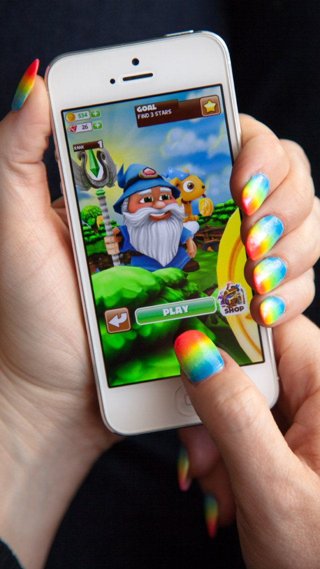 Super fun rainbow ombre nails inspired by Puzzle Wiz colour match game - download now for FREE on iPhone or Android: http://m.onelink.me/898eaf14
