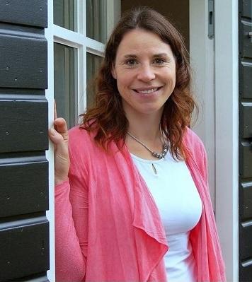 Suzanne van der Star