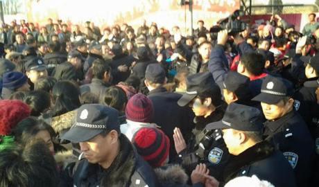 P2P投资人涌向京城 警方倾巢围追堵截