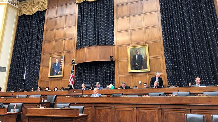 美国联邦众议院外交事务委员会在无人反对的情况下,表决通过《香港人权与民主法案》