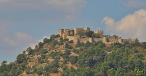 """Hoy, antiguos castillos como el """"Castell de Claramunt"""" siguen en pie a pesar de las condiciones naturales y hechos históricos que pudieran afectarlos, convirtiéndolos en un atractivo cultural para el viajero curioso."""