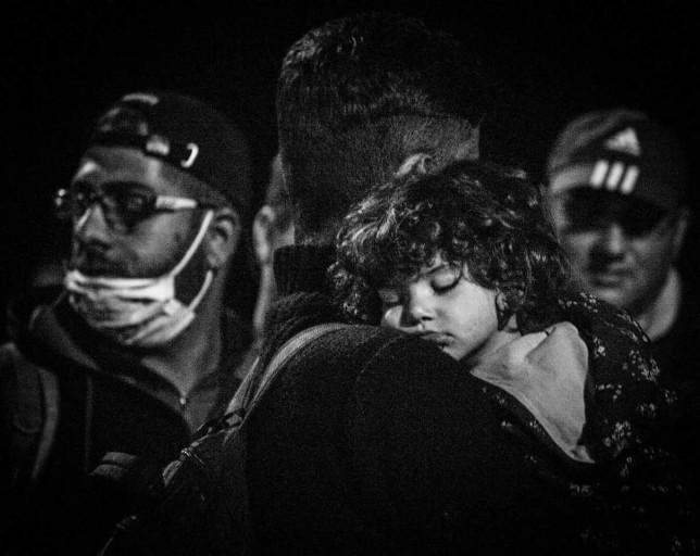 fetita refugiati Slovenia septembrie 2015
