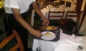 ananas flambat restaurant Antananarivo Madagascar2