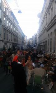 oameni la Flohmarkt Viena octombrie 2015 (3)