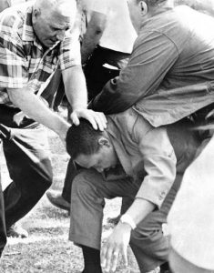 dr martin luther king being attacked during a nonviolent march for the chicago freedom movement in 1966