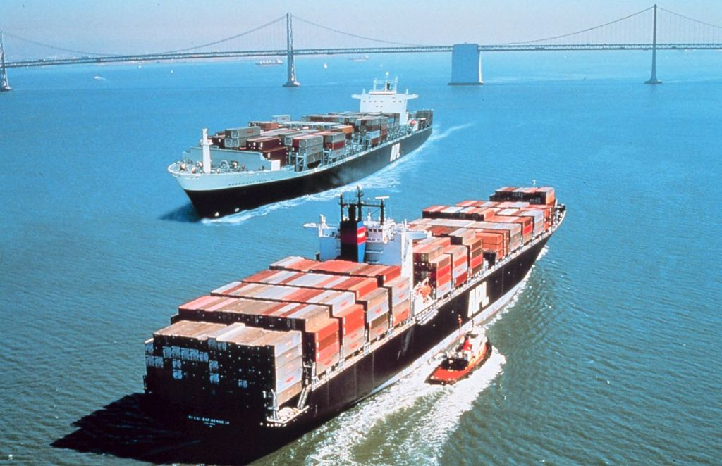 Incoming and outgoing international trade in San Francisco Bay