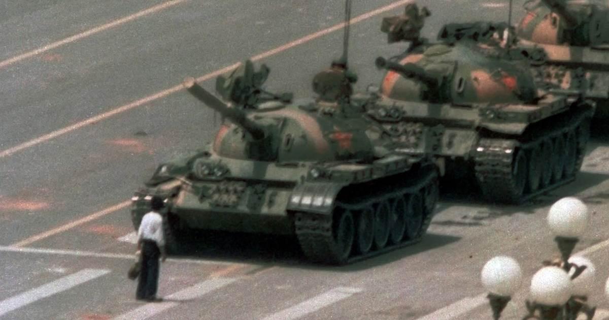 https://i0.wp.com/www.adividedworld.com/wp-content/uploads/2019/06/TiananmenManTank.jpg