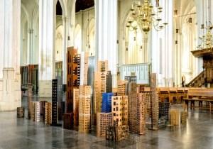 Beeldengroep Binnenstad van Cor Litjens - 2005-2015 - diverse materialen - 200 (h) x 500 (b) x 300 (d) cm Fotografie: Picture Productions Nijmegen