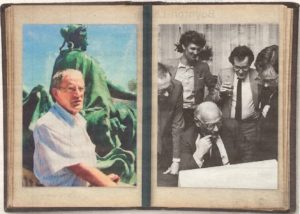 Max de Bok, pater familias van de Haagse journalistiek, rechts met een glas bij PvdA leider Joop den Uyl Bron: NRC, Illustratie bij 'Hij was er al bij toen kabinet-Drees viel, door Mark Kranenburg (NRC, 20-08-2016)