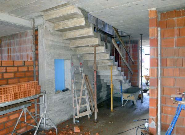 Construcci n de una escalera for Como hacer una escalera de cemento