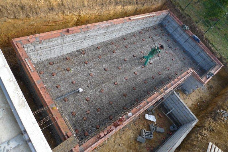 Instalaci n armadura vaso for Construccion de piscinas en altura