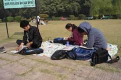 students-outdoor-sketching