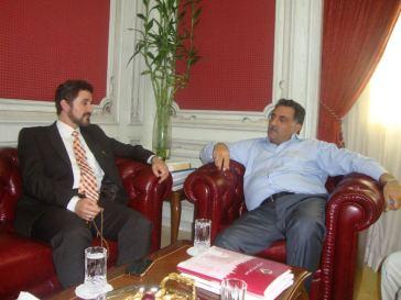 مع المفكر العربي الدكتور عزمي بشارة في مكتبه بمقر المركز العربي للأبحاث والدراسات السياسية