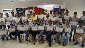 Éstos recibieron sus certificados y un completo kits de herramienta para poder iniciarse laboralmente.