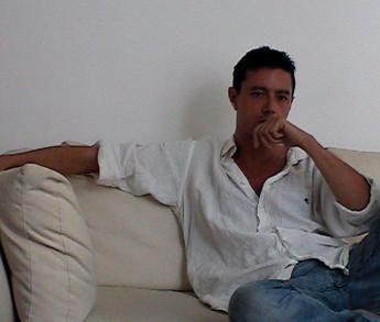 Libri: 'Ci sono io' di Alessandro Savona, quando un padre ritrova se stesso