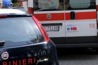 Torino, spara a moglie e figli poi si uccide