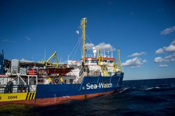 Vietato ingresso in acque italiane a Sea Watch3