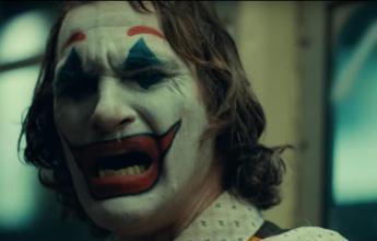 Si veste da Joker per una festa, denunciato