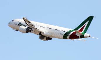 Alitalia, al via la procedura di vendita
