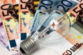 Tariffe, per Pmi italiane bollette luce e gas più care in Ue