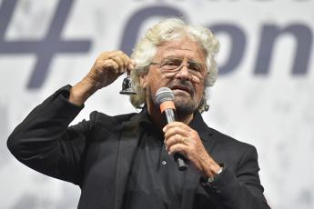 Grillo, utili giù e zero contratti per società: 2020 incerto