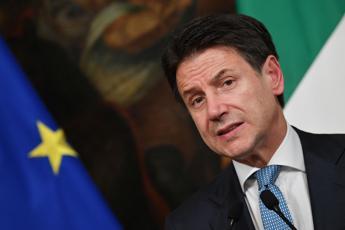 Conte: Da Italia Viva opposizione maleducata e aggressiva