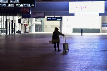 Virus Cina, 'isolate' altre città