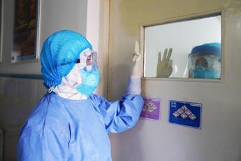 Virus, in Cina oltre 11mila contagiati e 259 morti
